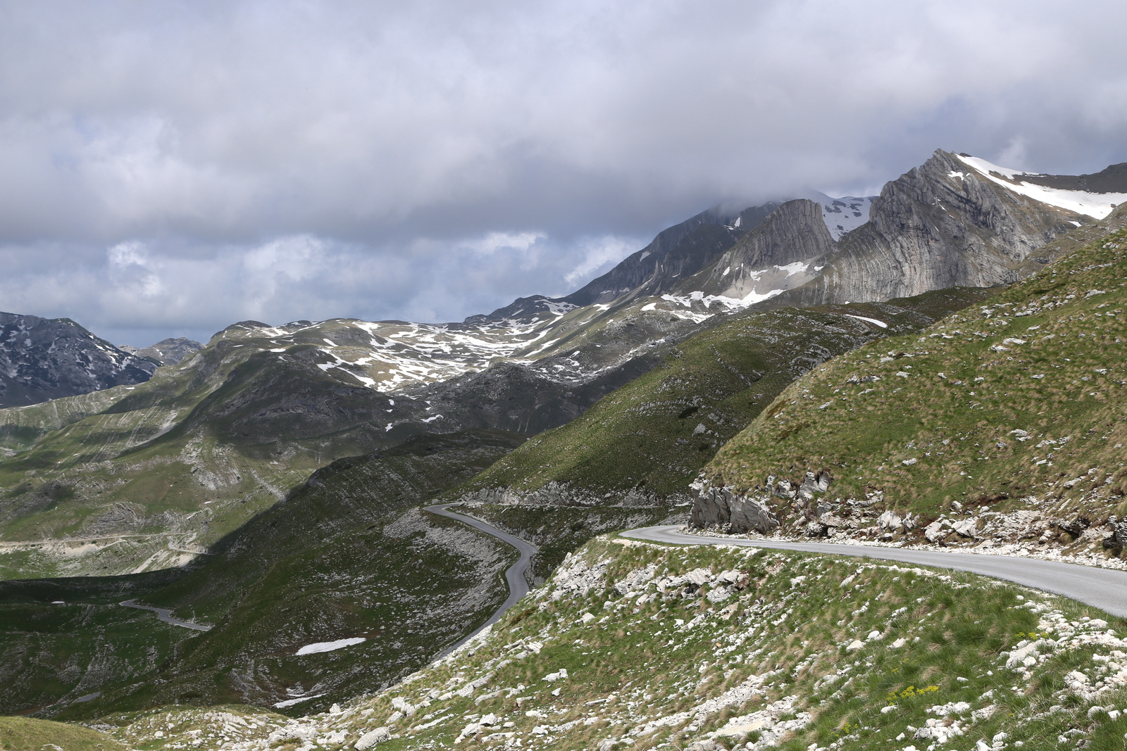 Durmitor, mountain road from Zabljak to Pluzine