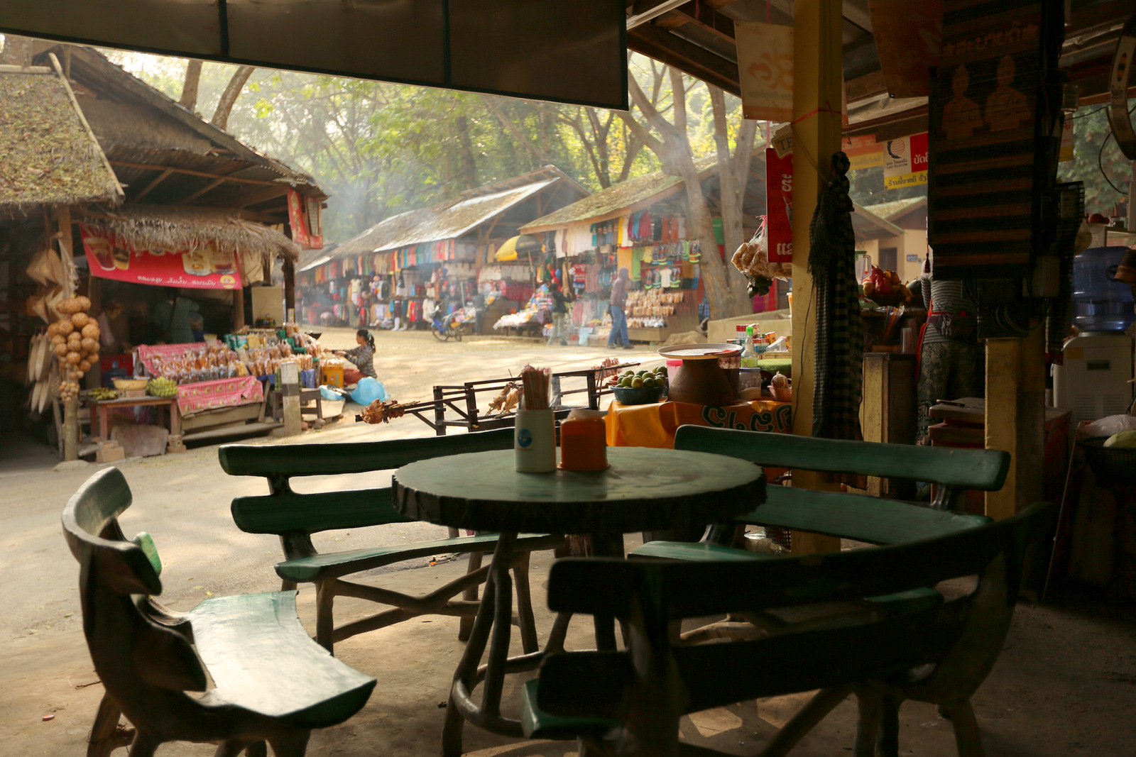Kuang Si market