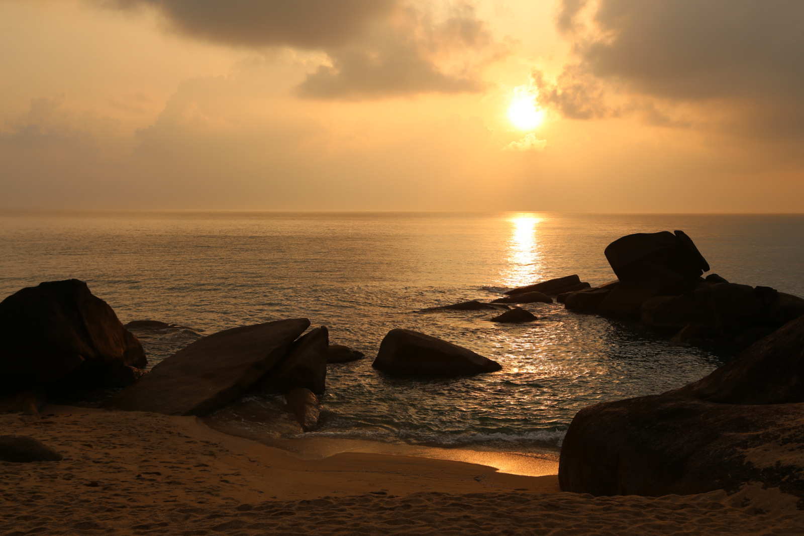 Koh Samui - sunrise on Lamai Beach