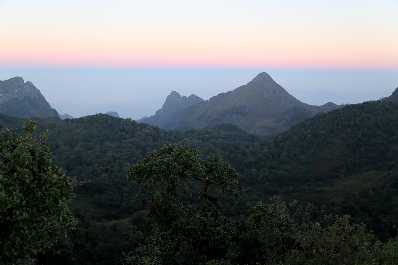 Dawn on top of Chiang Dao